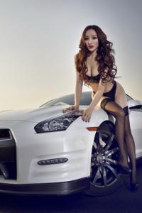 日本美女车模